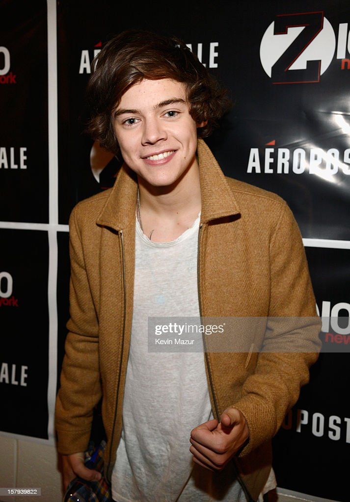 <a gi-track='captionPersonalityLinkClicked' href=/galleries/search?phrase=Harry+Styles&family=editorial&specificpeople=7229830 ng-click='$event.stopPropagation()'>Harry Styles</a> of One Direction attends backstage at Z100's Jingle Ball 2012, presented by Aeropostale, at Madison Square Garden on December 7, 2012 in New York City.