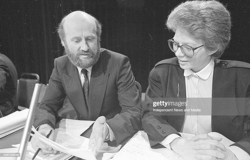 Harry Whelehan SC and Elizabeth Dunne BL speakers in favour of the motion 20/6/86 Photographer Frank McGrath Jnr
