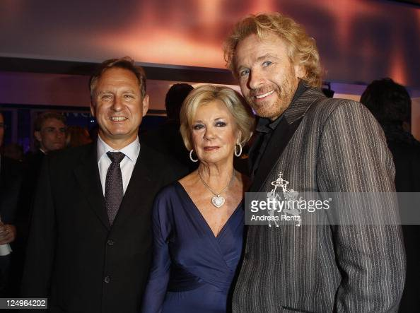 Hartmut Ostrowski CEO of German publishing group Bertelsmann Bertelsmann Vice Chairwoman Liz Mohn and Thomas Gottschalk attend the annual Bertelmann...
