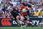 Harumichi Tachikawa of Sunwolves runs with the ball during the round nine Super Rugby match between the Sunwolves and the Jauares at Prince Chichibu...