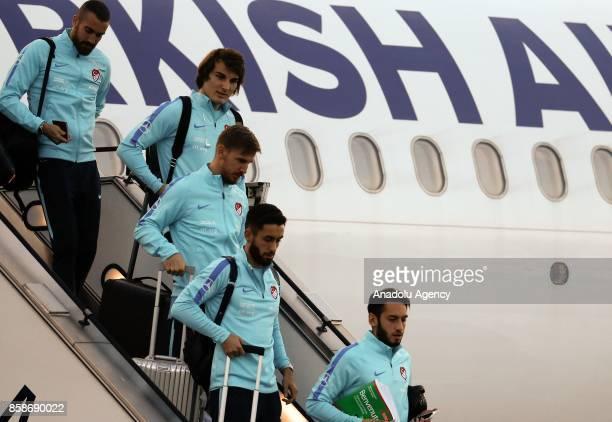 Harun Tekin Çaglar Soyuncu Serdar Aziz Yunus Malli ve Hakan Calhanoglu da get off the plane ahead of 2018 FIFA World Cup European Qualification Group...