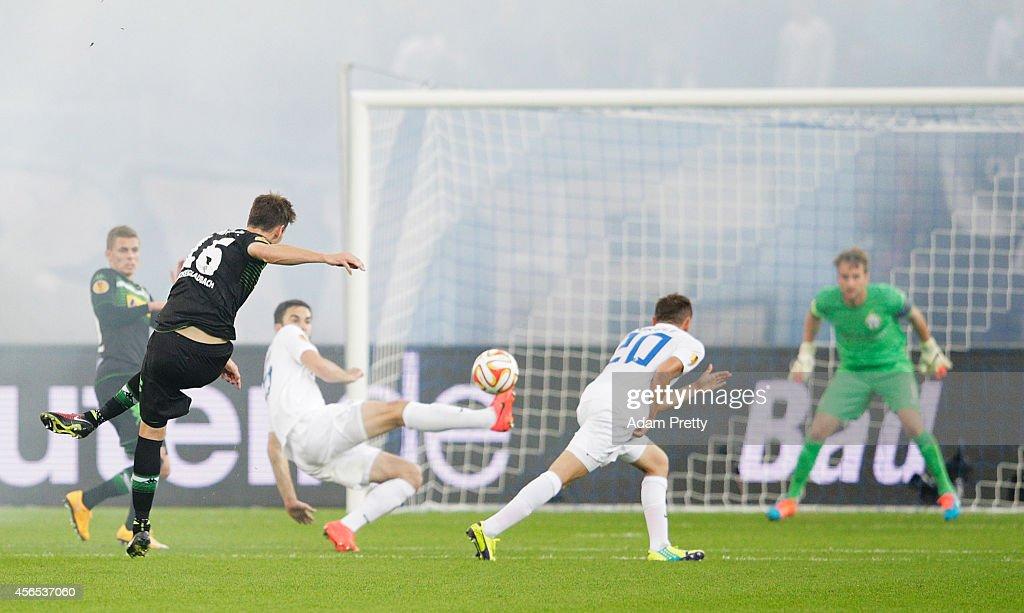 Harvard Nordtveit of Monchengladbach scores a goal during the UEFA Europa League match between FC Zurich and VfL Borussia Monchengladbach at Stadion Letzigrund Zurich on October 2, 2014 in Zurich, Switzerland.