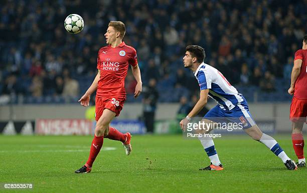 Harvey Barnes of Leicester City in action with Ruben Neves of FC Porto during the UEFA Champions Leagues match between FC Porto and Leicester City at...