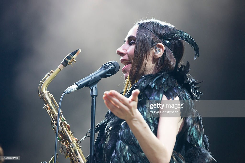 <a gi-track='captionPersonalityLinkClicked' href=/galleries/search?phrase=PJ+Harvey&family=editorial&specificpeople=215155 ng-click='$event.stopPropagation()'>PJ Harvey</a> performs at Roskilde Festival on June 30, 2016 in Roskilde, Denmark.