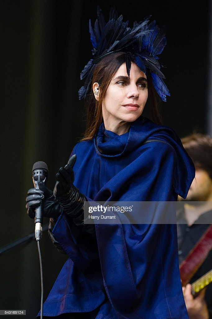 <a gi-track='captionPersonalityLinkClicked' href=/galleries/search?phrase=PJ+Harvey&family=editorial&specificpeople=215155 ng-click='$event.stopPropagation()'>PJ Harvey</a> performs on The Other stage, Glastonbury Festival 2016 at Worthy Farm, Pilton on June 26, 2016 in Glastonbury, England.