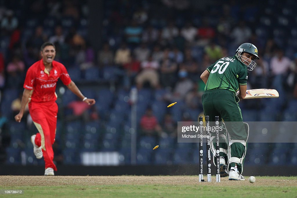 Harvir Baidwan (L) of Canada bowls <a gi-track='captionPersonalityLinkClicked' href=/galleries/search?phrase=Umar+Gul&family=editorial&specificpeople=540300 ng-click='$event.stopPropagation()'>Umar Gul</a> (R) during the Canada v Pakistan 2011 ICC World Cup Group A match at the R. Premadasa Stadium on March 3, 2011 in Colombo, Sri Lanka.