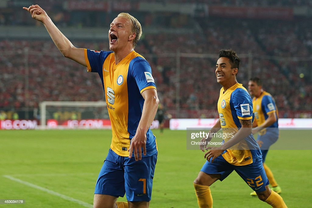 Havard Nielsen of Braunschweig celebrates the second goal during the Second Bundesliga match between Fortuna Duesseldorf and Eintracht Braunschweig...