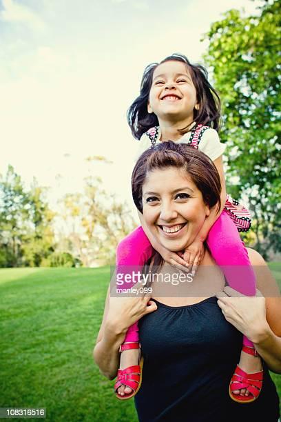 Com um fantástico tempo de mãe de ombro