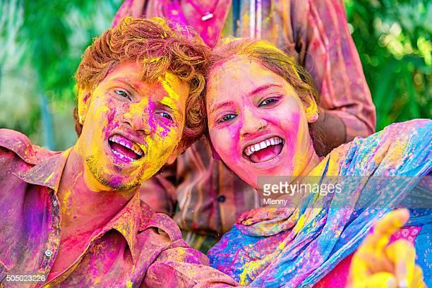 Spaß Holi Festival feiern in Indien paar Festival der Farben