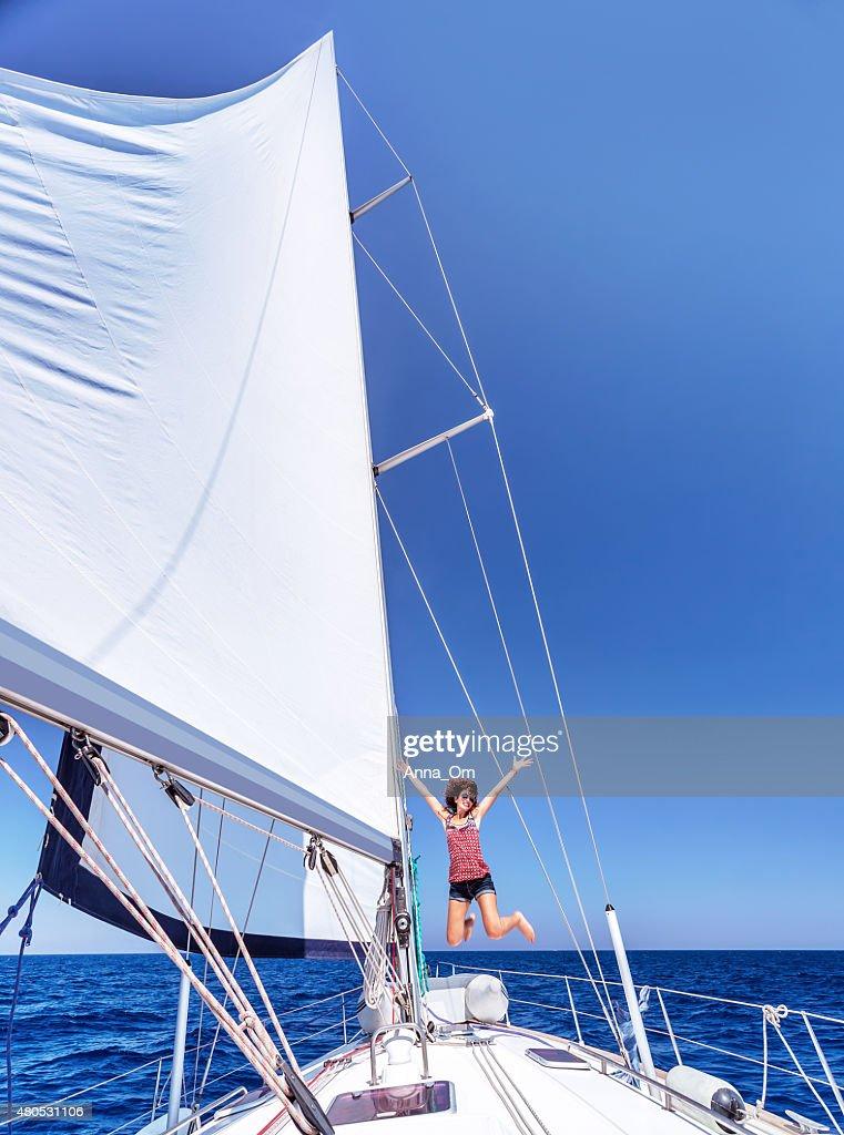 Having fun on sailboat : Bildbanksbilder