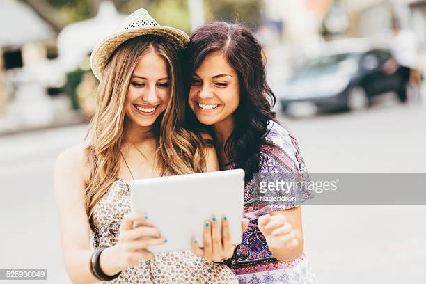S'amusant avec Tablette numérique