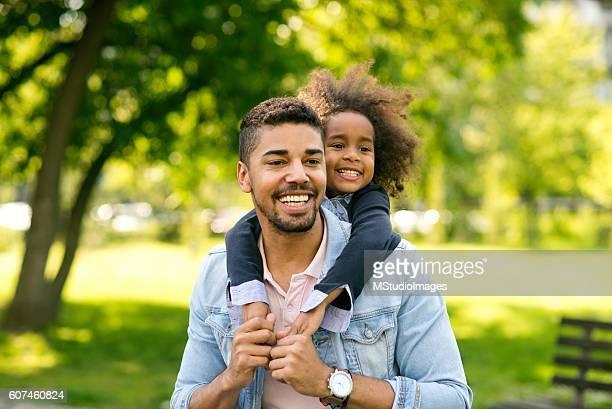 Spaß haben mit Tochter.