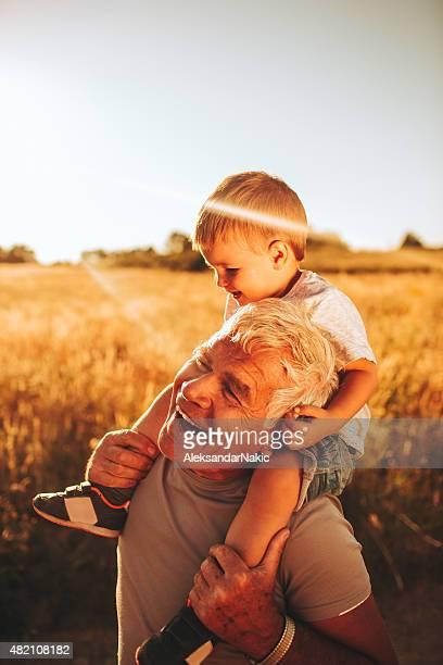 Divirtiéndose con mi abuelo