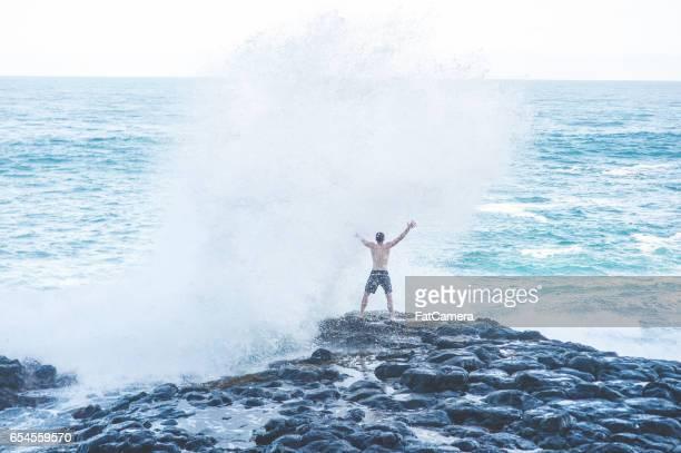 ハワイ崖ジャンプ