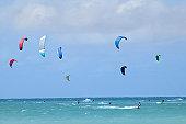 USA, Hawaii, Maui, people kitesurfing