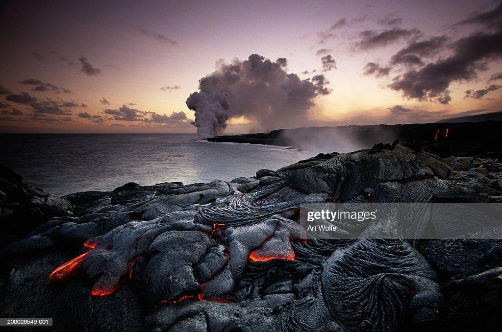 USA, Hawaii, Volcanoes National Park, Kilauea erupting