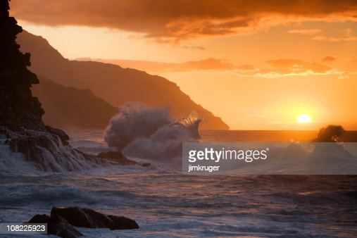 Hawaiian sunset at Ke'e beach.