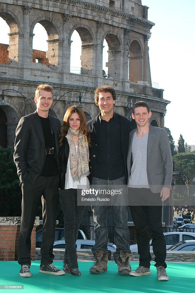 Hayden Christensen, Rachel Bilson, director Doug Liman and Jamie Bell attend a photocall for 'Jumper' at the Colosseum on February 6, 2008 in Rome, Italy.