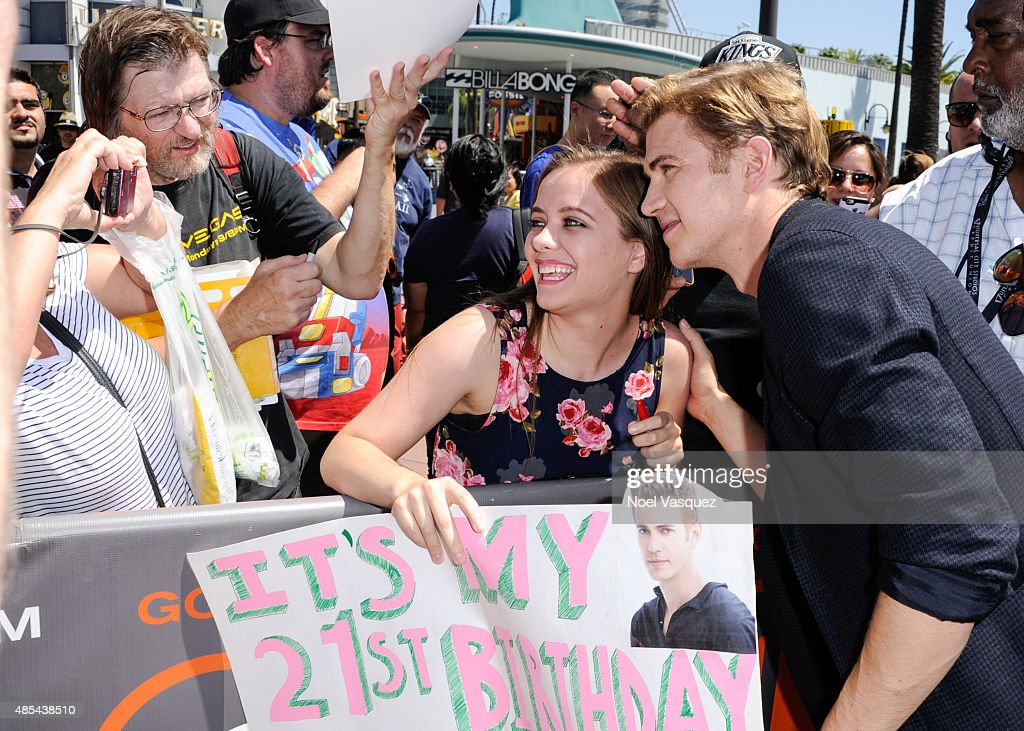 Hayden Christensen visits 'Extra' at Universal Studios Hollywood on August 27, 2015 in Universal City, California.