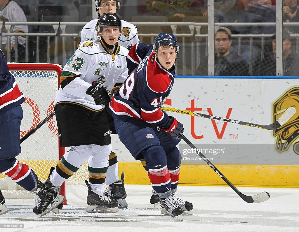 Hayden Hodgson #29 of the Saginaw Spirit looks for a puck to tip in front of Richard Whittaker #43 of the London Knights during an OHL game at Budweiser Gardens on October 21, 2016 in London, Ontario, Canada. The Knights defeated the Spirit 5-1.