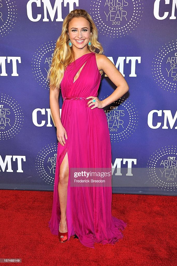 Hayden Panettiere arrives at the 2012 CMT Artists Of The Year at The Factory At Franklin on December 3, 2012 in Franklin, Tennessee.