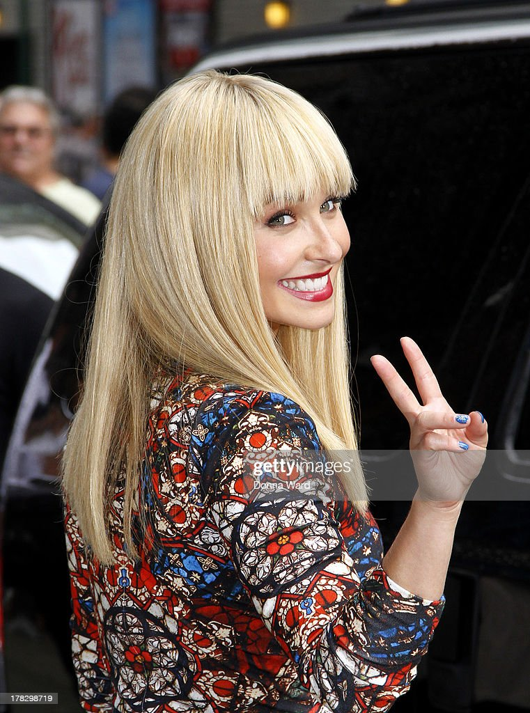 <a gi-track='captionPersonalityLinkClicked' href=/galleries/search?phrase=Hayden+Panettiere&family=editorial&specificpeople=204227 ng-click='$event.stopPropagation()'>Hayden Panettiere</a> leaves the 'Late Show with David Letterman' at Ed Sullivan Theater on August 28, 2013 in New York City.