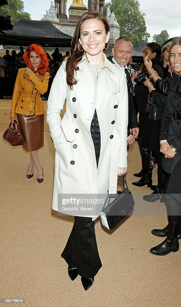 Hayley Atwell arrives at Burberry Prorsum Womenswear Spring/Summer 2014 show during London Fashion Week at Kensington Gardens on September 16, 2013 in London, England.