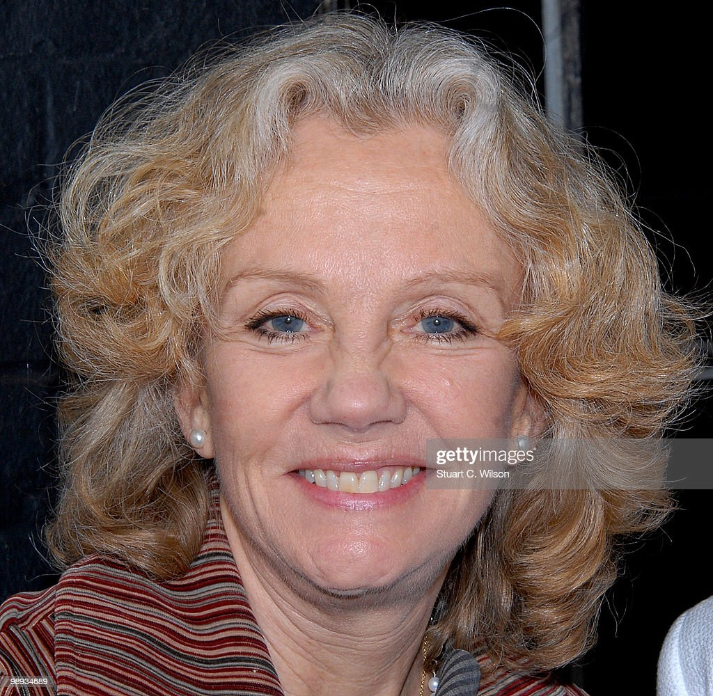<a gi-track='captionPersonalityLinkClicked' href=/galleries/search?phrase=Hayley+Mills&family=editorial&specificpeople=213552 ng-click='$event.stopPropagation()'>Hayley Mills</a> attends a plaque unveiling for Sir john Mills at Pinewood Studios on May 9, 2010 in London, England.