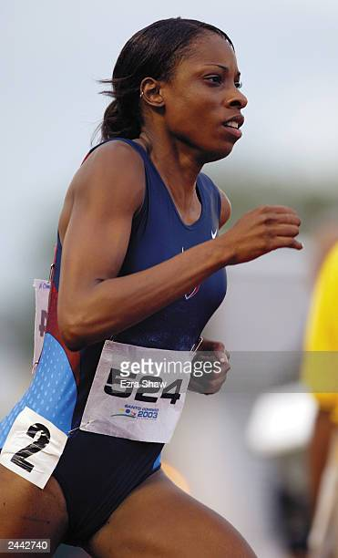 Hazel Mae Clark of the USA competes during the 800m Finals at Centro Olimpico Juan Pablo Durate on August 6 2003 at the XIV Pan American Games in...