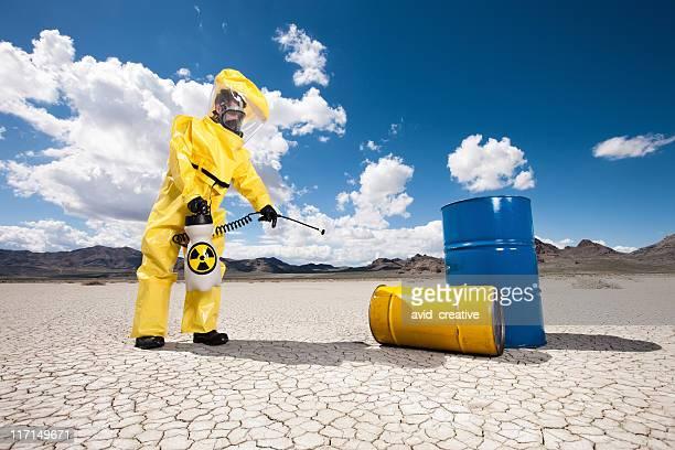 危険物のオイルバレル清掃