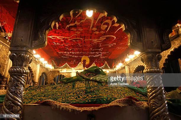 CONTENT] Hazrat Lal Shahbaz Qalandar a Sayed Sufi saint philosopher poet and qalandar