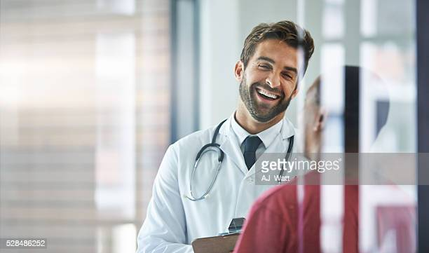Ele sempre coloca doentes com facilidade