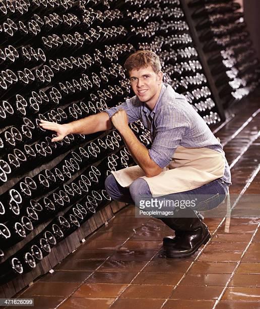 Ele mantém atento ao seu Vinho