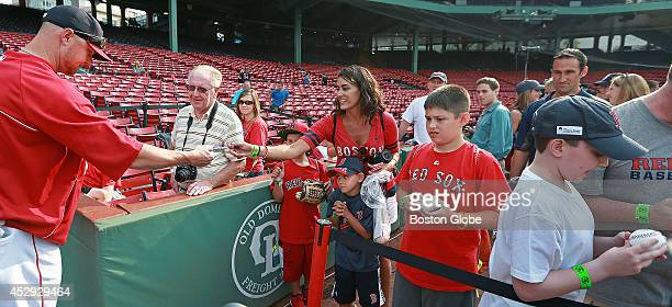 He may not resign with Boston but Boston Red Sox pitcher Jon Lester stopped and signed some autographs for some fans as he left the field after...