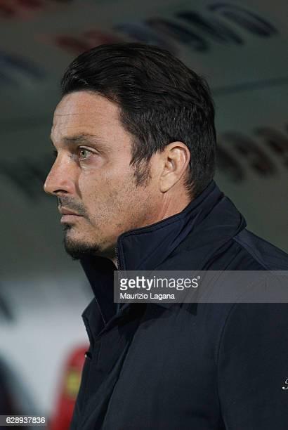 Heaad coach of Pescara Massimo Oddo during the Serie A match between FC Crotone and Pescara Calcio at Stadio Comunale Ezio Scida on December 10 2016...