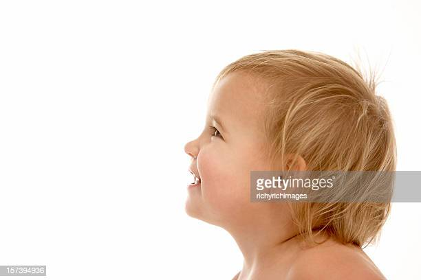 頭部と肩の笑顔幼児