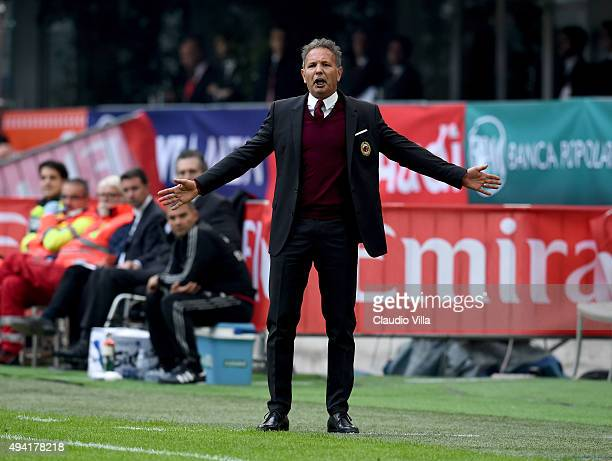 Head coach AC Milan Sinisa Mihajlovic reacts during the Serie A match between AC Milan and US Sassuolo Calcio at Stadio Giuseppe Meazza on October 25...