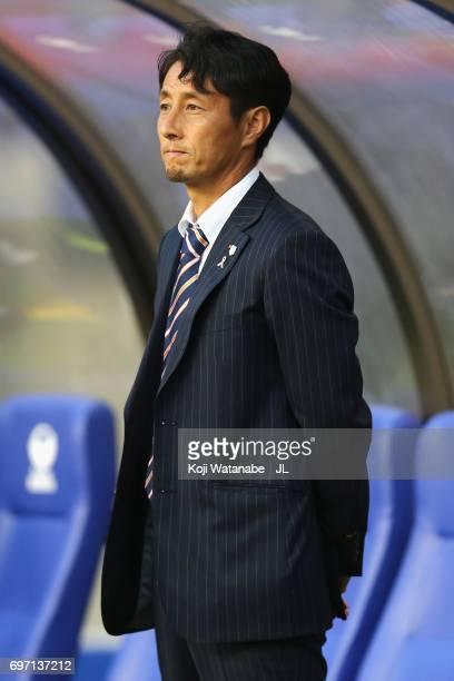 Head coach Akira Ito of Omiya Ardija looks on prior to the JLeague J1 match between Albirex Niigata and Omiya Ardija at Denka Big Swan Stadium on...