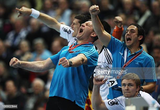 Head coach Alfred Gislason of Kiel celebrates during the Toyota Handball Bundesliga match between THW Kiel and HSV Hamburg at the Sparkassen Arena on...