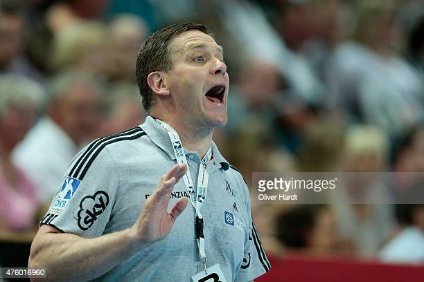 Head coach Alfred Gislason of Kiel gesticulated during the DKB HBL Bundesliga match between THW Kiel and TBV Lemgo at Sparkassen Arena on June 5 2015...