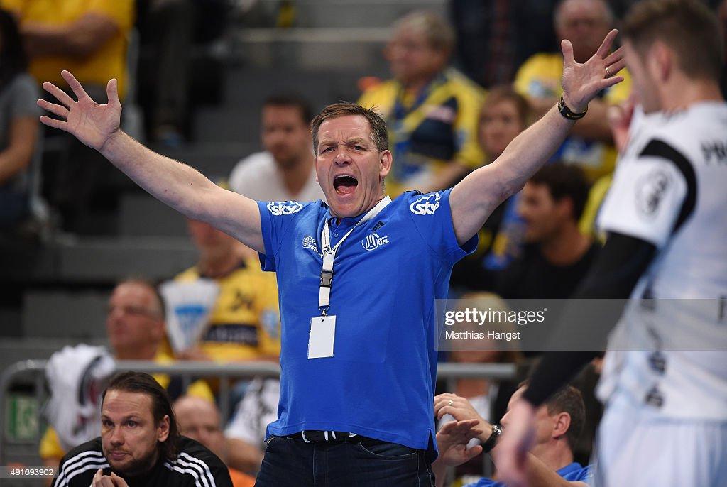 Head coach Alfred Gislason of Kiel reacts during the DKB HBL Bundesliga match between Rhein Neckar Loewen and THW Kiel at SAP Arena on October 7, 2015 in Mannheim, Germany.