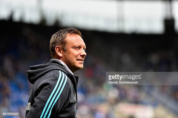 Head coach Andre Breitenreiter of FC Schalke 04 reacts during the Bundesliga match between 1899 Hoffenheim and FC Schalke 04 at Wirsol...