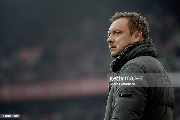Head coach Andre Breitenreiter of Schalke looks on prior to the Bundesliga match between 1 FC Koeln and FC Schalke 04 at RheinEnergieStadion on March...