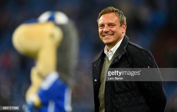 Head coach Andre Breitenreiter of Schalke smiles prior to the Bundesliga match between FC Schalke 04 and Hertha BSC Berlin at VeltinsArena on October...