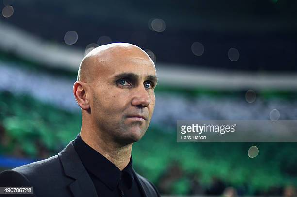 Head Coach Andre Schubert of Borussia Moenchengladbach looks on during the UEFA Champions League Group D match between VfL Borussia Monchengladbach...