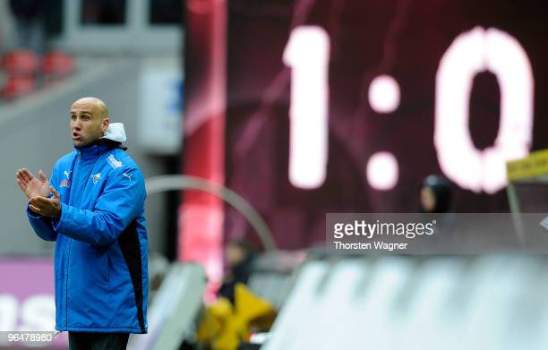 Head coach Andre Schubert of Paderborn gestures during the Second Bundesliga match between 1FC Kaiserslautern and SC Paderborn at Fritz Walter...