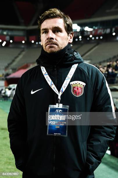 Head coach Andre VillasBoas of Shanghai SIPG reacts during the AFC Asian Champions League group match between FC Seoul and Shanghai SIPG at Seoul...