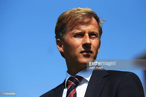 Head coach Andries Jonker of Bayern is seen prior to the Bundesliga match between FC St Pauli and FC Bayern Muenchen at Millerntor Stadium on May 7...