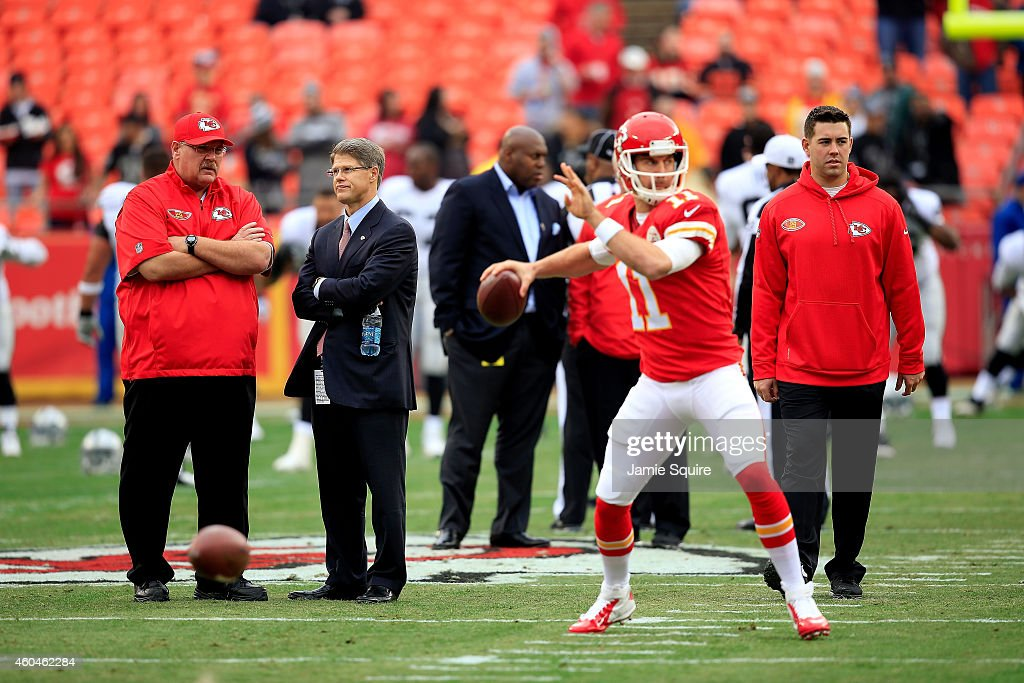 Head coach <a gi-track='captionPersonalityLinkClicked' href=/galleries/search?phrase=Andy+Reid+-+Coach&family=editorial&specificpeople=204475 ng-click='$event.stopPropagation()'>Andy Reid</a> of the Kansas City Chiefs and Chiefs' Owner <a gi-track='captionPersonalityLinkClicked' href=/galleries/search?phrase=Clark+Hunt&family=editorial&specificpeople=2138852 ng-click='$event.stopPropagation()'>Clark Hunt</a> speak on the field before the game against the Oakland Raiders at Arrowhead Stadium on December 14, 2014 in Kansas City, Missouri.