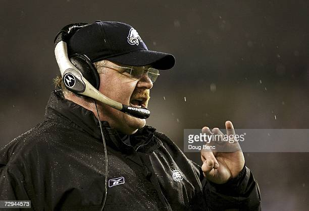Head coach Andy Reid of the Philadelphia Eagles shouts from the bench during their NFC Wildcard Playoff game against the New York Giants on January 7...